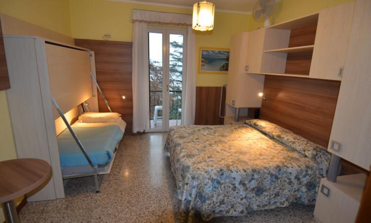 camera tripla hotel villa ruscello (1)